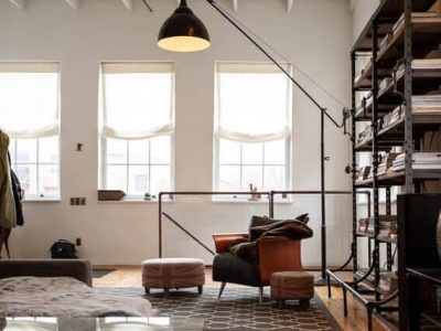 デザイン家具でアレンジされた部屋