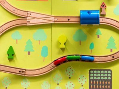 木製のトレインおもちゃ